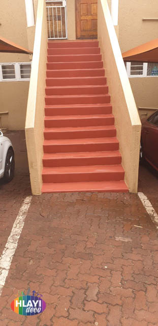 Waterproofing and painting in Johannesburg by Hlayi Deco